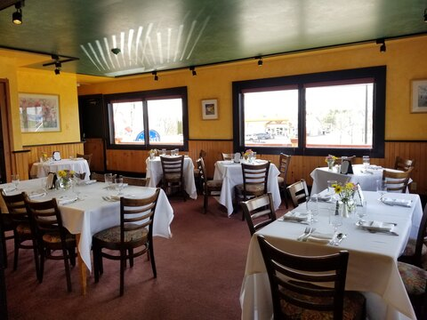 Pauline's Cafe & Restaurant