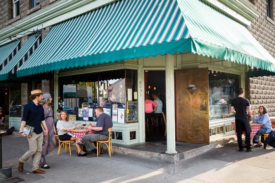 Gino's Restaurant and Bar
