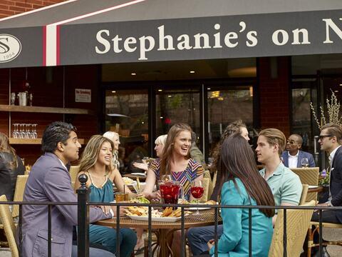 Stephanie's on Newbury