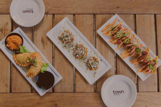 Town Kitchen & Bar